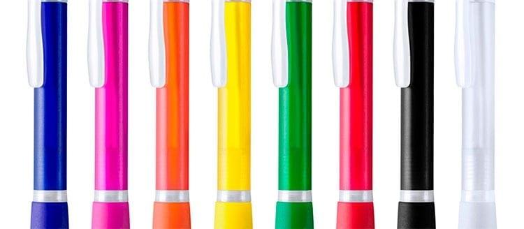 Montar bolígrafos y mecheros