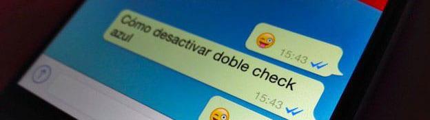 El tick azul en WhatsApp