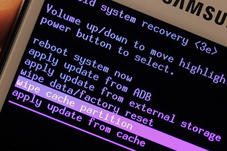 Cómo hacer factory reset en Android